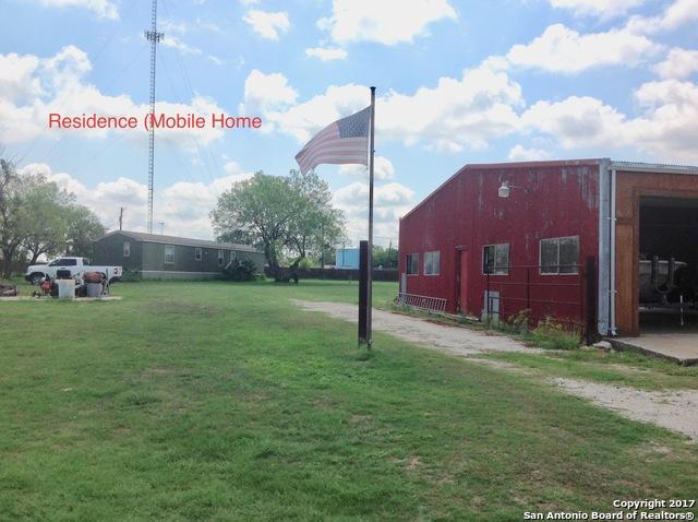 1804 2ND ST, Pleasanton, TX 78064