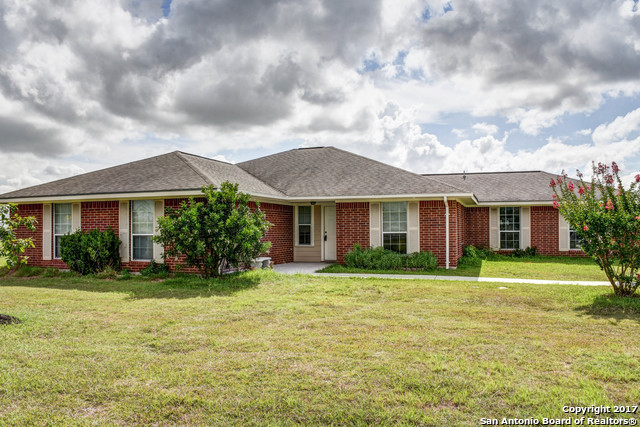 1233 MARION RD, Marion, TX 78124