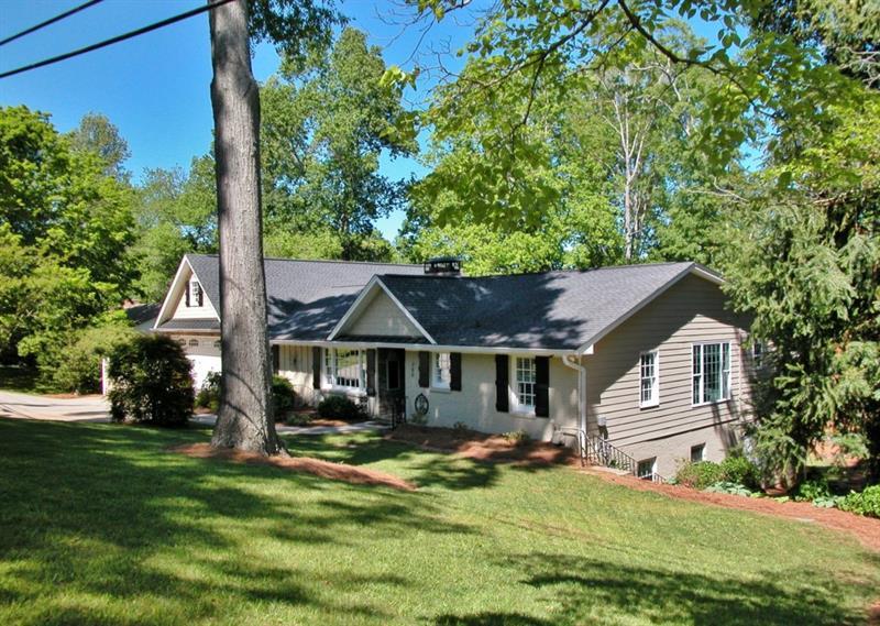 960 Chattahoochee Drive, Gainesville, GA 30501
