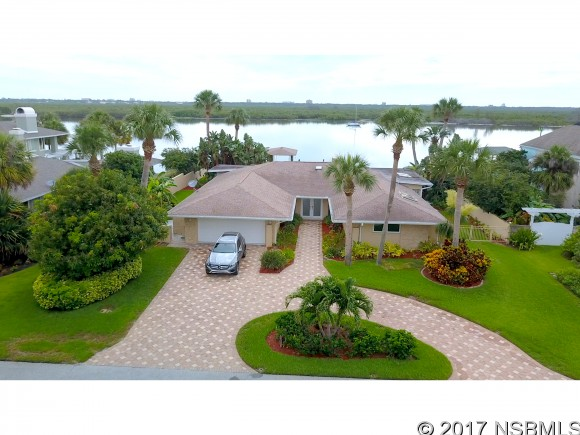 1217 Commodore Dr, New Smyrna Beach, FL 32168
