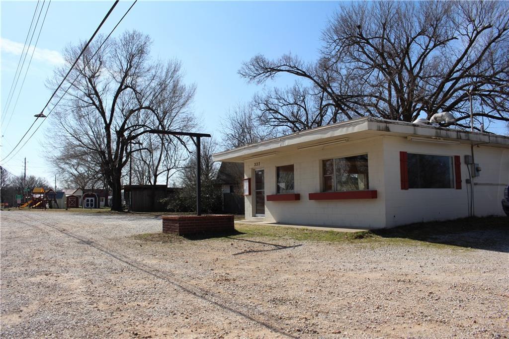 337 N Elm ST, Elm Springs, AR 72728