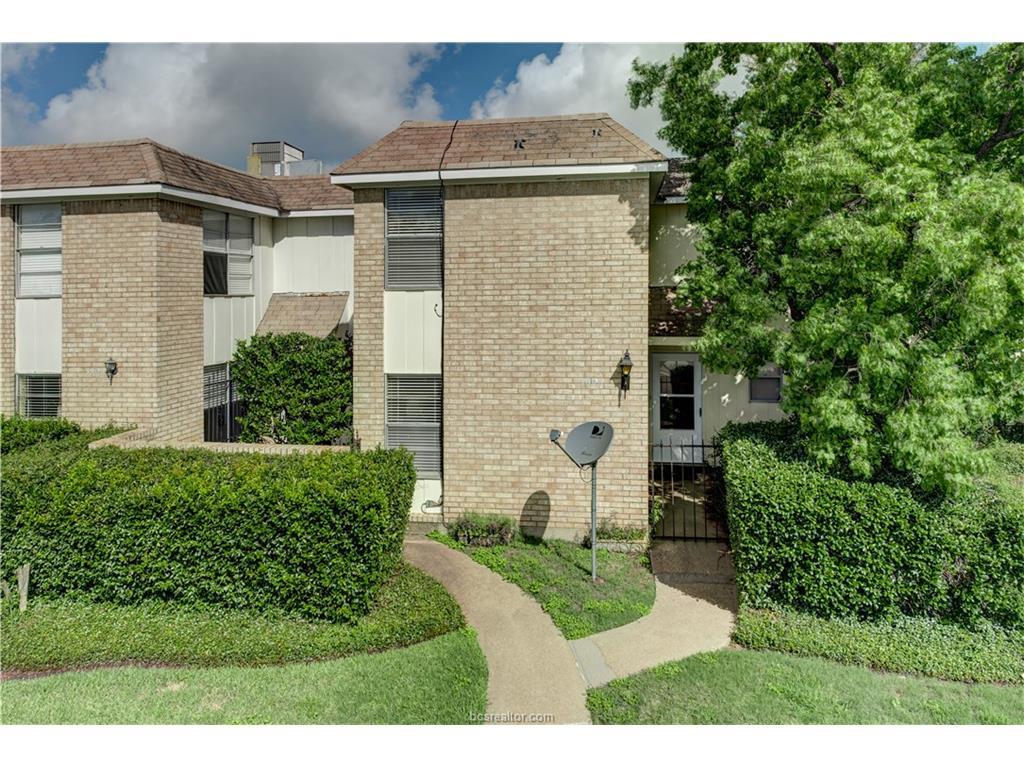 3806 Plainsman Lane, Bryan, TX 77802