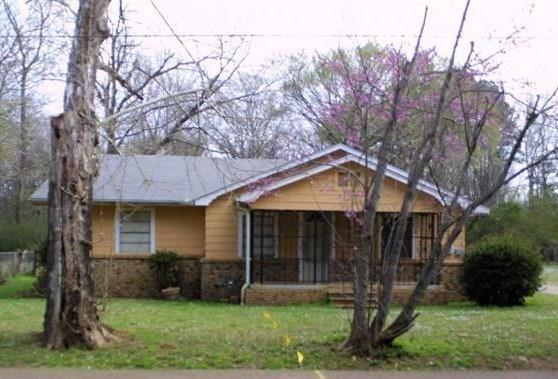 304 S Pine Street, Hughes Springs, TX 75656