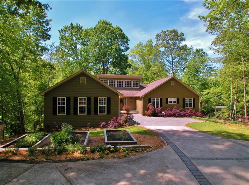8935 Bay View Court, Gainesville, GA 30506