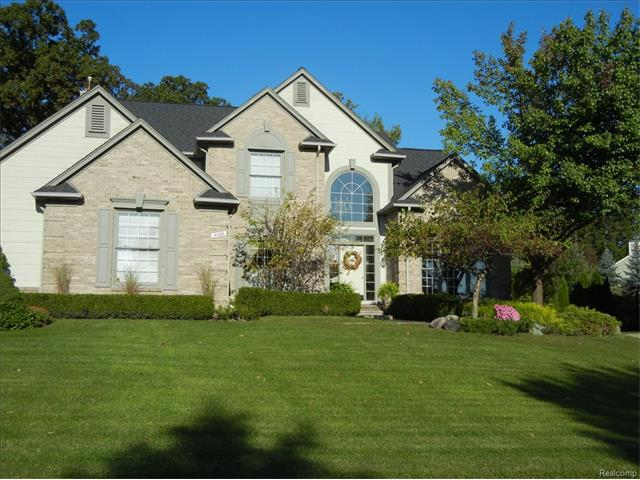 4469 S CASTLEWOOD CRT, Auburn Hills, MI 48326