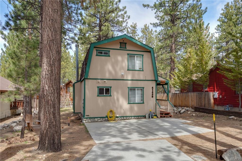 41438 Oak Street, Big Bear Lake, CA 92315