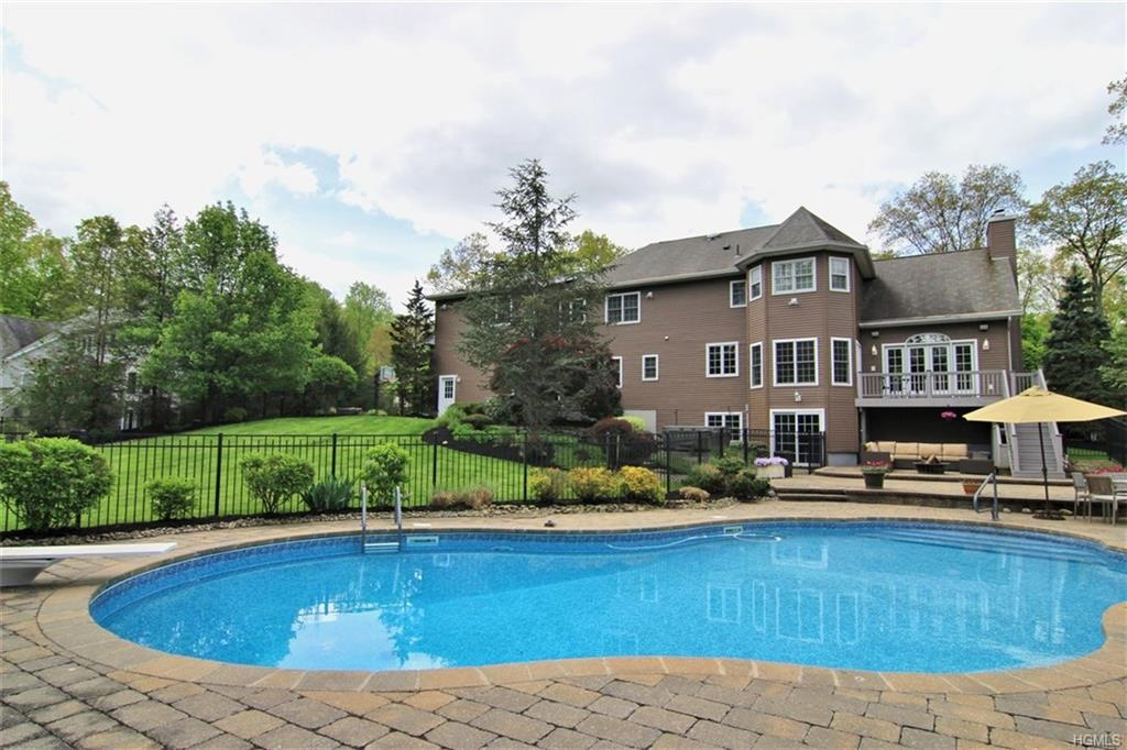 27 Golf Course Drive, Suffern, NY 10901