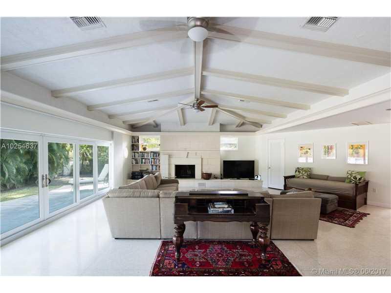 710 Buttonwood Ln, Miami, FL 33137