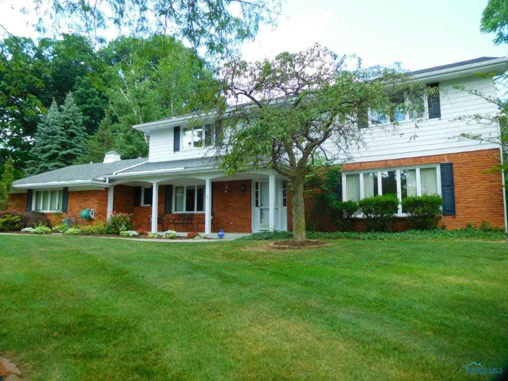 271 Riverside Drive, Rossford, OH 43460