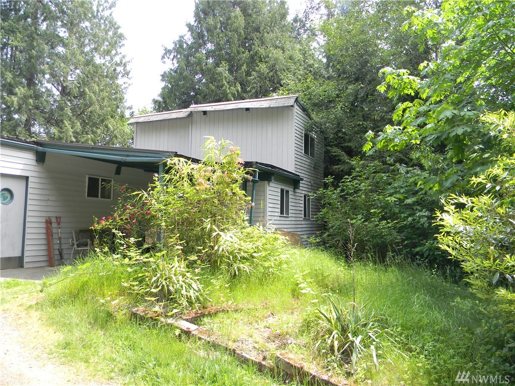 330 E Creekside Dr, Belfair, WA 98528
