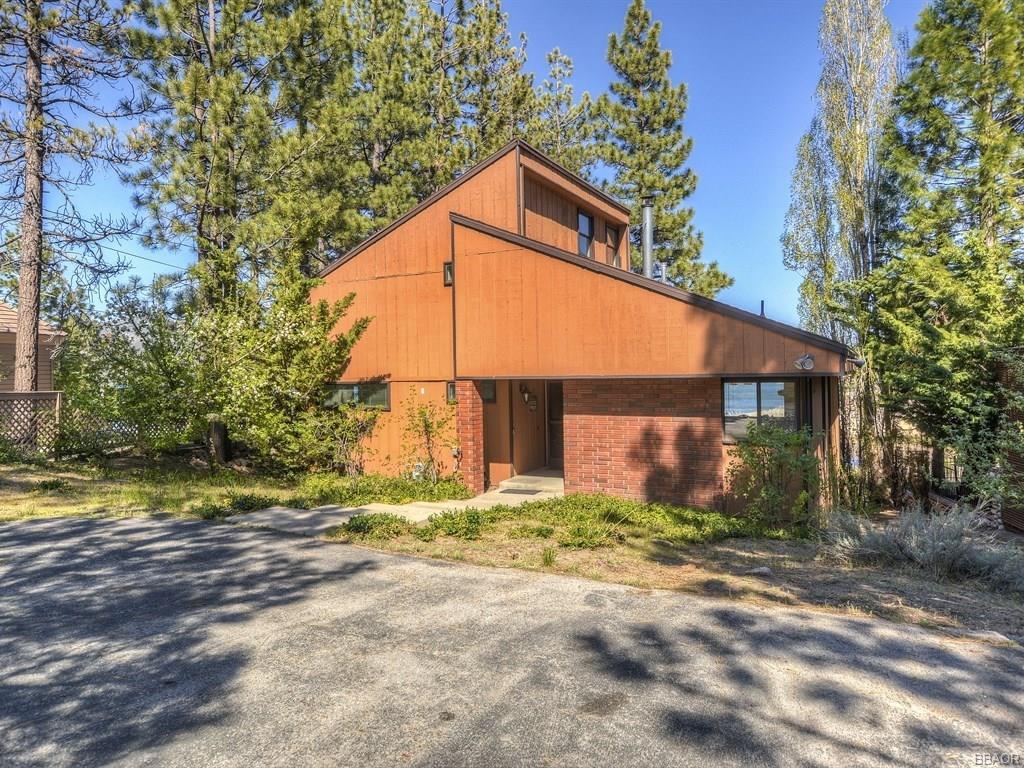 194 Round Drive, Big Bear Lake, CA 92315