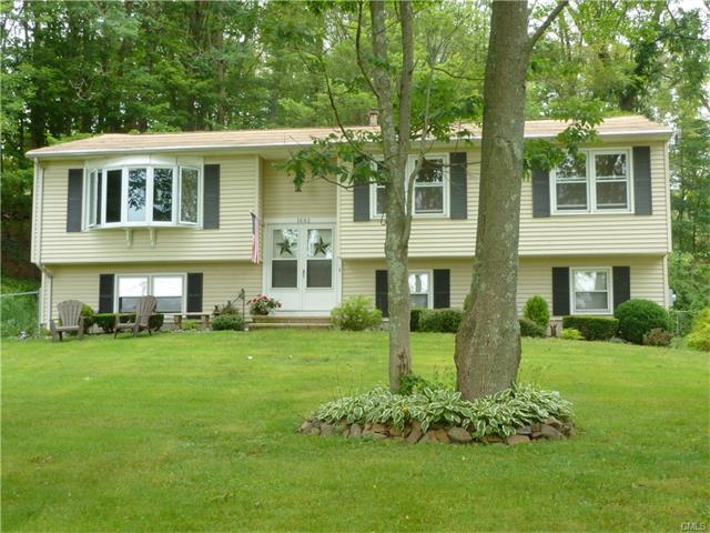 1682 Middletown Avenue, North Branford, CT 06472