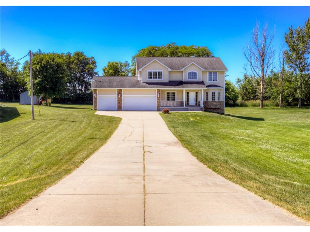 7605 NE 108th Place, Bondurant, IA 50035