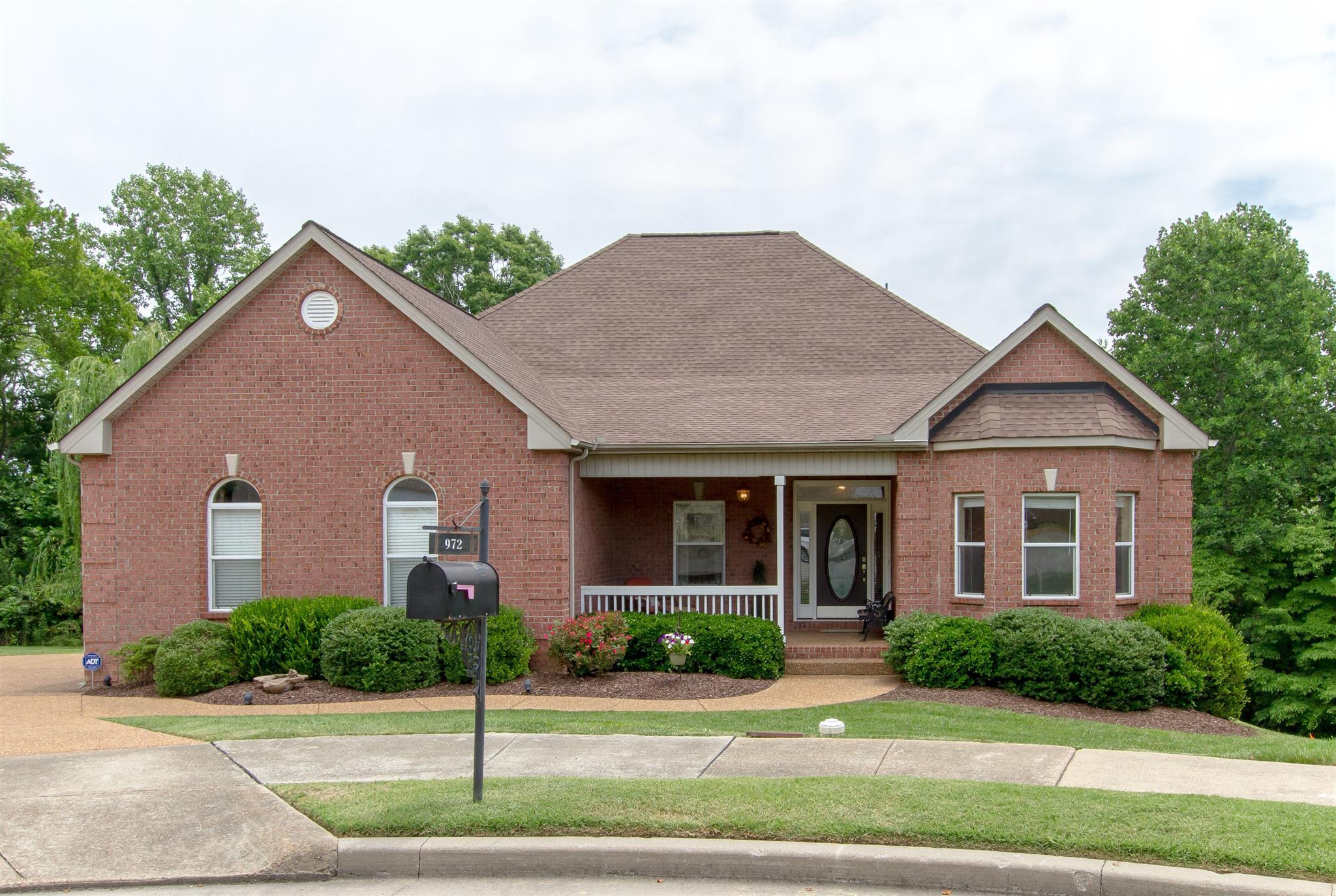 972 Century Oak Dr, Nashville, TN 37211