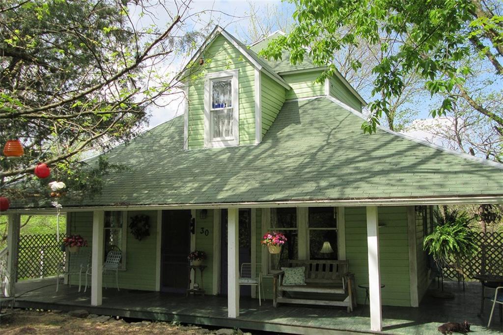 30 Peerless ST, Eureka Springs, AR 72632