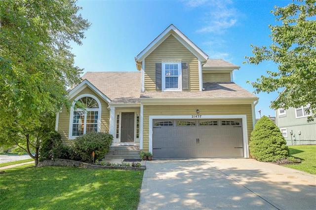 21457 W 121st Terrace, Olathe, KS 66061