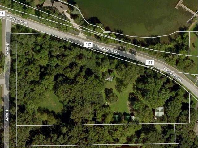 210 Mccarrons Boulevard S, Roseville, MN 55113