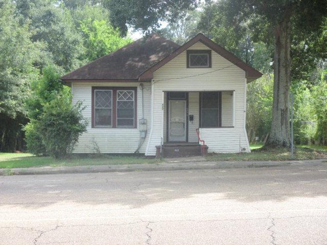 827 Delaware Avenue, McComb, MS 39648