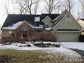 6201 BEACHWOOD CRT, West Bloomfield Twp, MI 48324