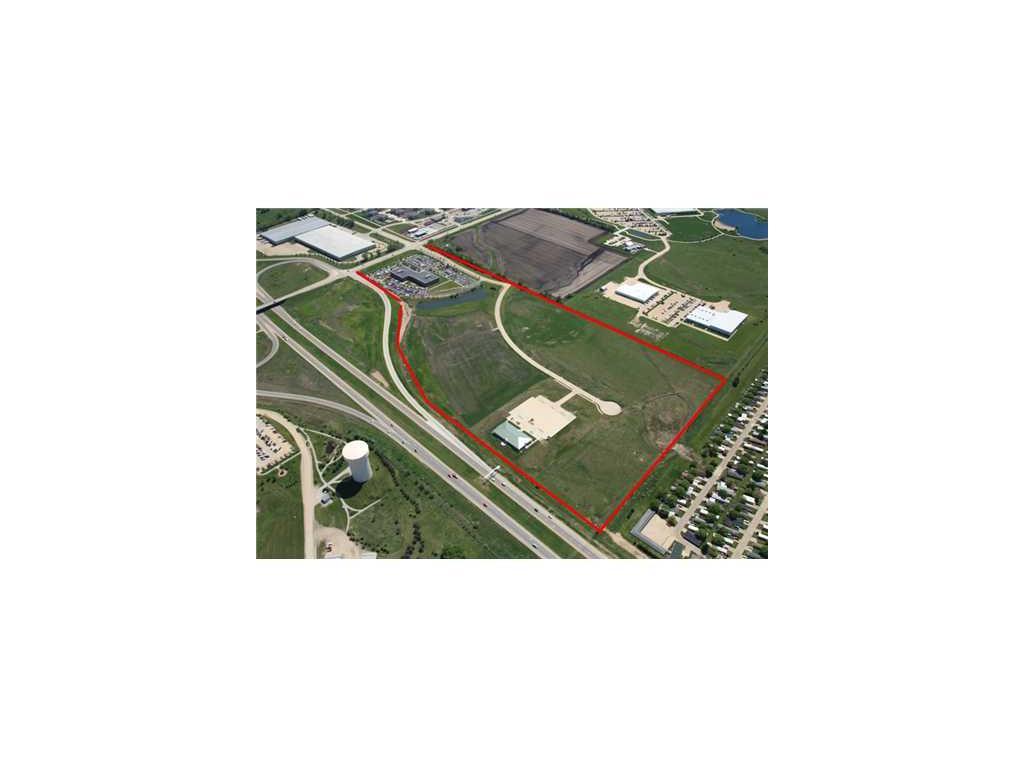 900 BELL Drive SW, Cedar Rapids, IA 52404