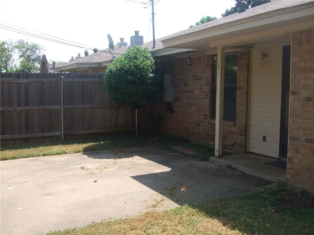 116 S Pipeline Road, Euless, TX 76040