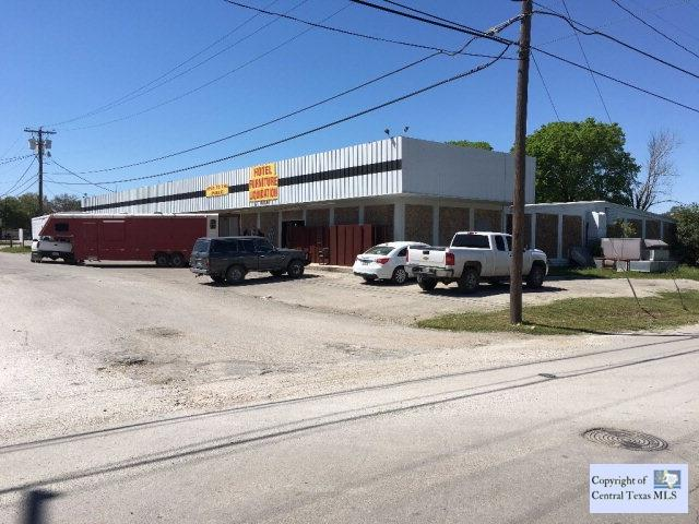 606 W Zorn Street, Seguin, TX 78155