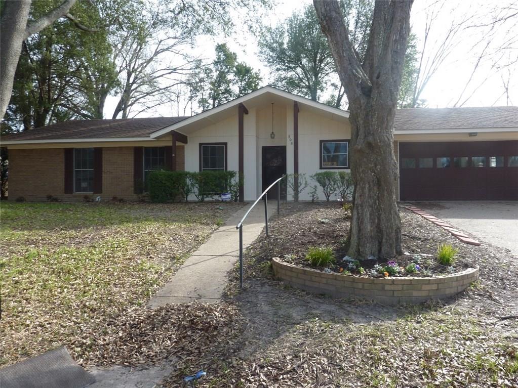 808 Clifford Street, Athens, TX 75751
