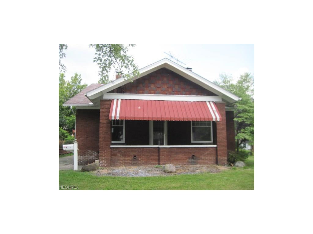 105 Hartzell Ave, Niles, OH 44446