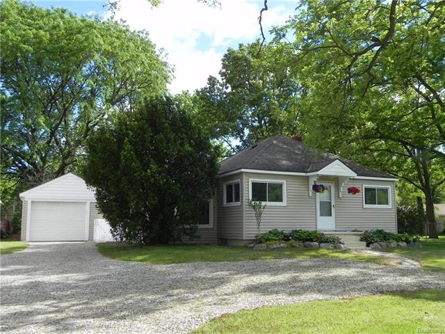 6735 COOLEY LAKE Road, West Bloomfield Twp, MI 48324