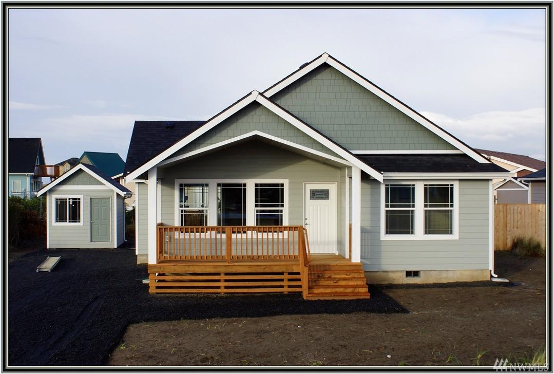 906 Beachcomber Ct, Ocean Shores, WA 98569