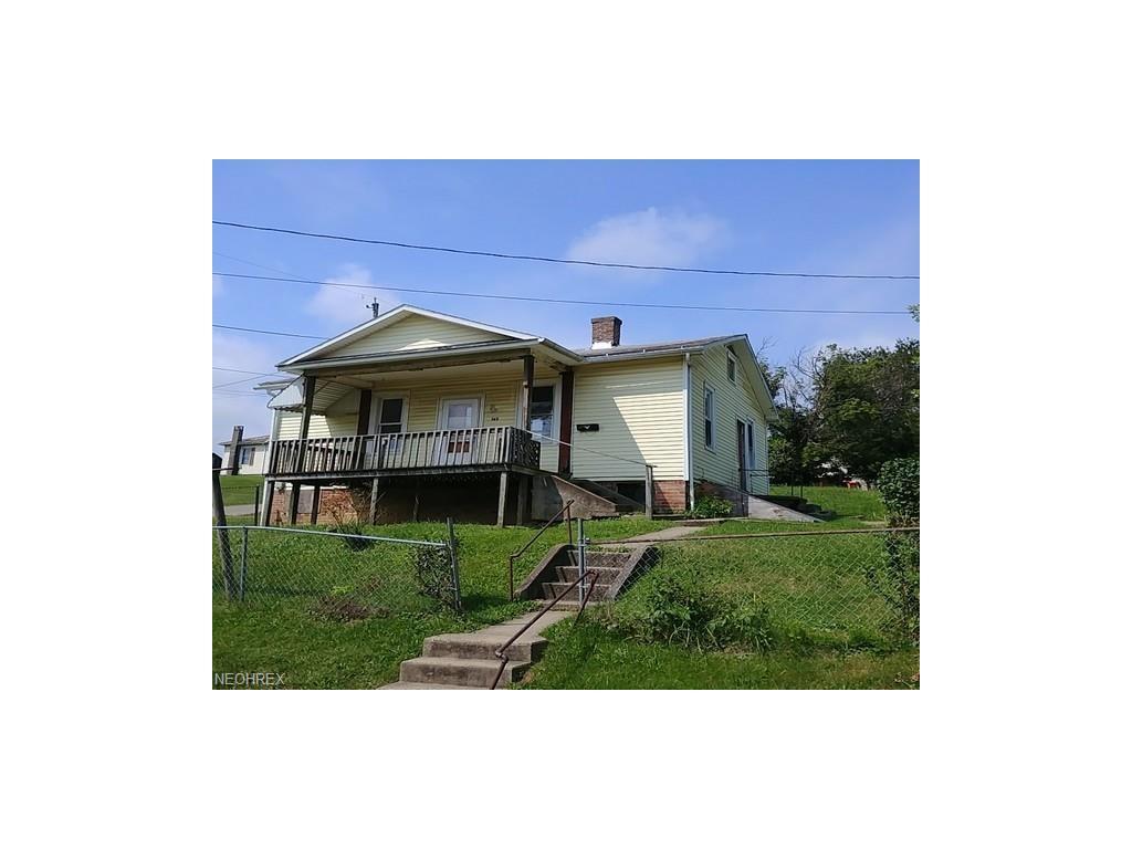 145 Ridge Ave, Crooksville, OH 43731
