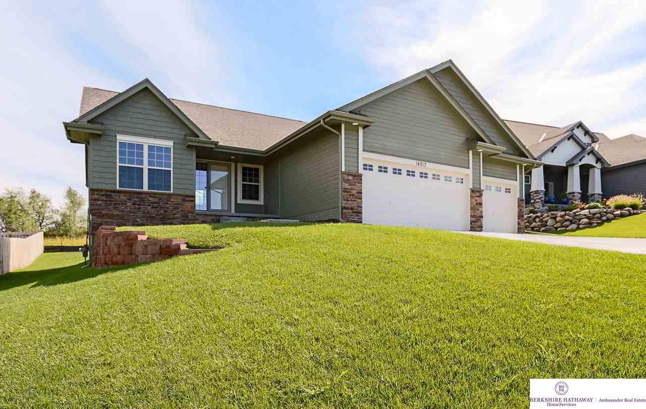 14813 Prairie Star Street, Bennington, NE 68007