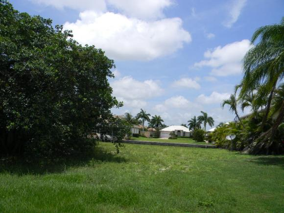 768 AMAZON 6, MARCO ISLAND, FL 34145