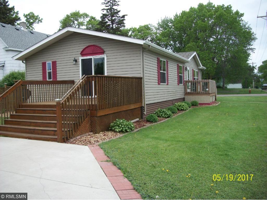 813 N Main Street, Winthrop, MN 55396