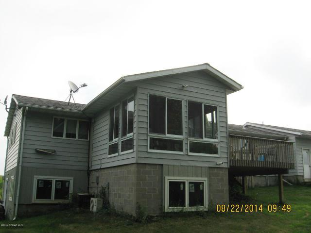 30 SW Kast Drive, New Richland, MN 56072