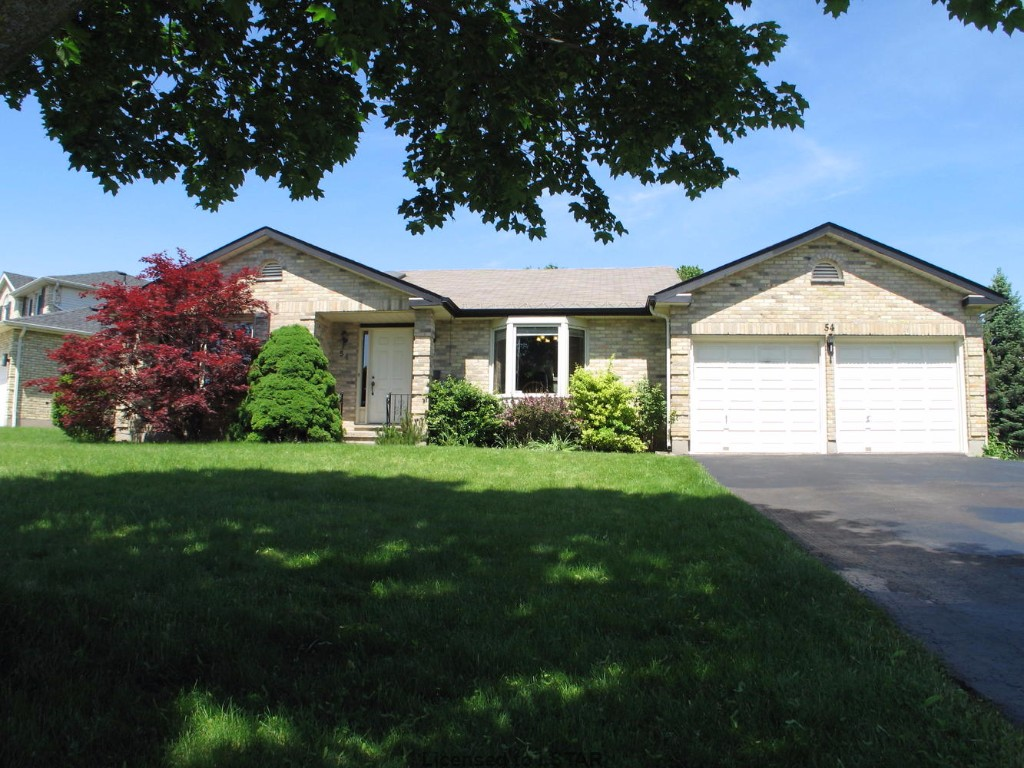 54 PENNYBROOK CR, LONDON, ON N5X 3A1