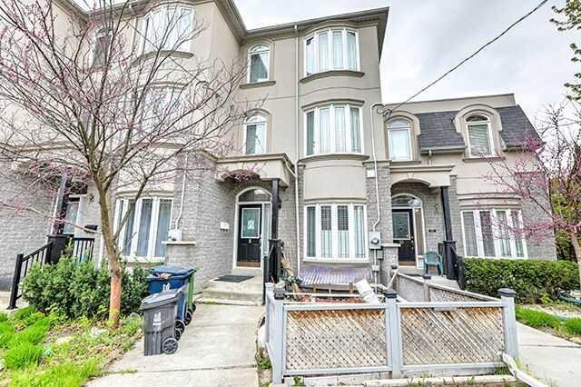 8 Altamont Rd, Toronto, ON M2M 1S4