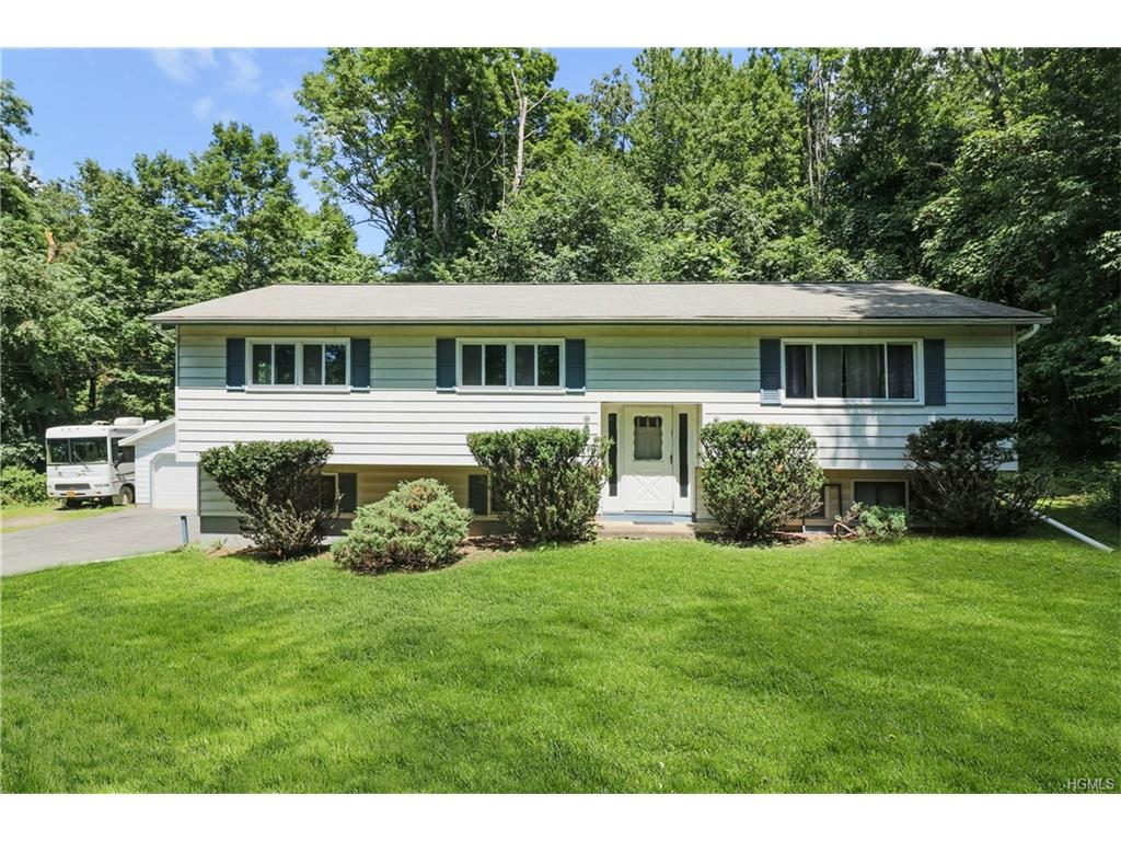46 Hill And Hollow Road, Hyde Park, NY 12538