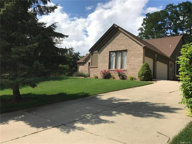 46998 WOODBEND CT. Court, Northville Twp, MI 48167