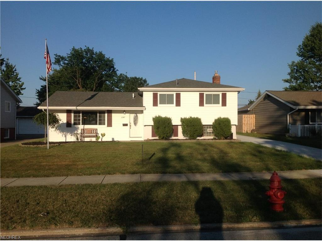 1247 Golden Gate Blvd, Mayfield Heights, OH 44124