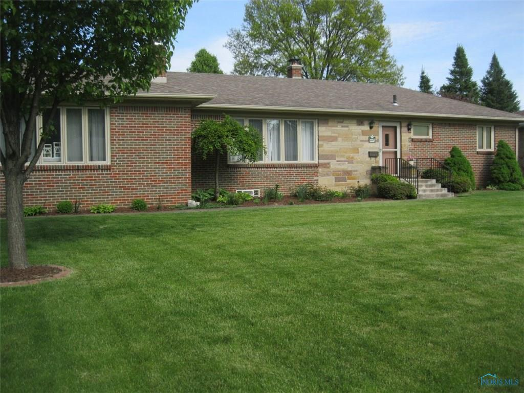 220 Birch Drive, Rossford, OH 43460