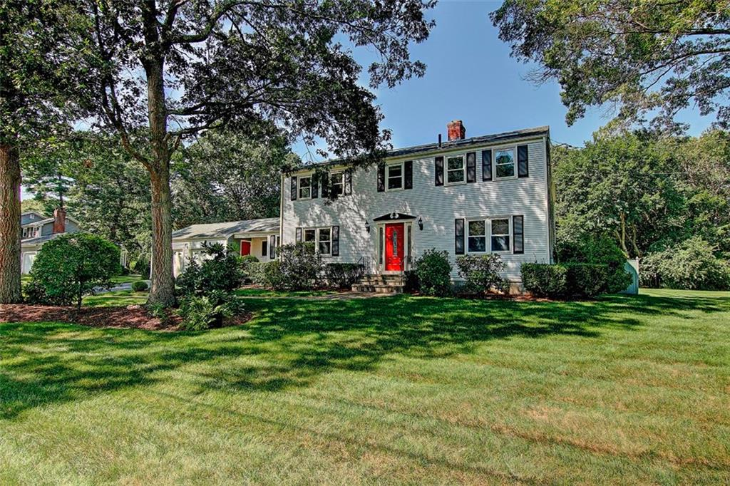17 HERITAGE RD, Barrington, RI 02806