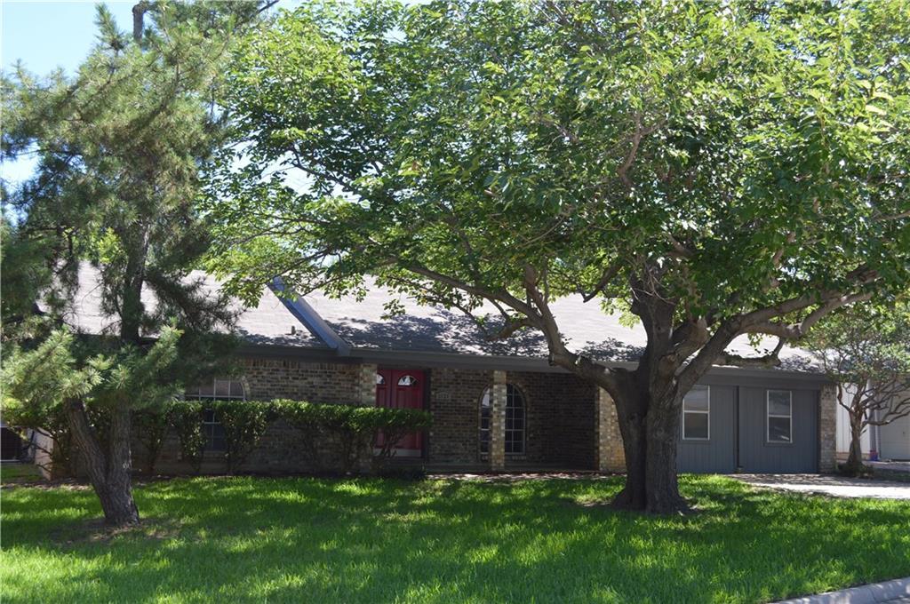 1020 Black Street, Hurst, TX 76053