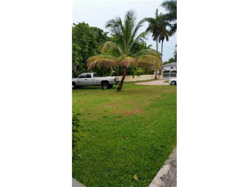 1615 N View Dr, Miami Beach, FL 33140