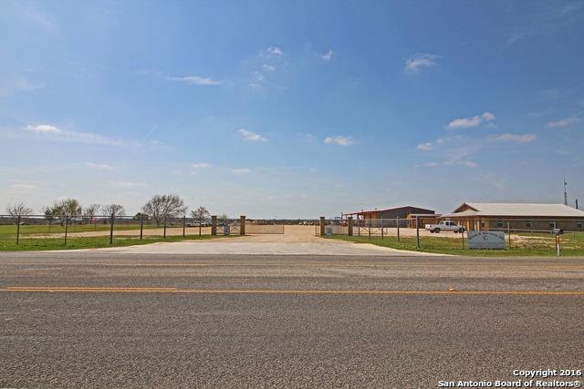 1545 STATE HIGHWAY 173, Devine, TX 78016