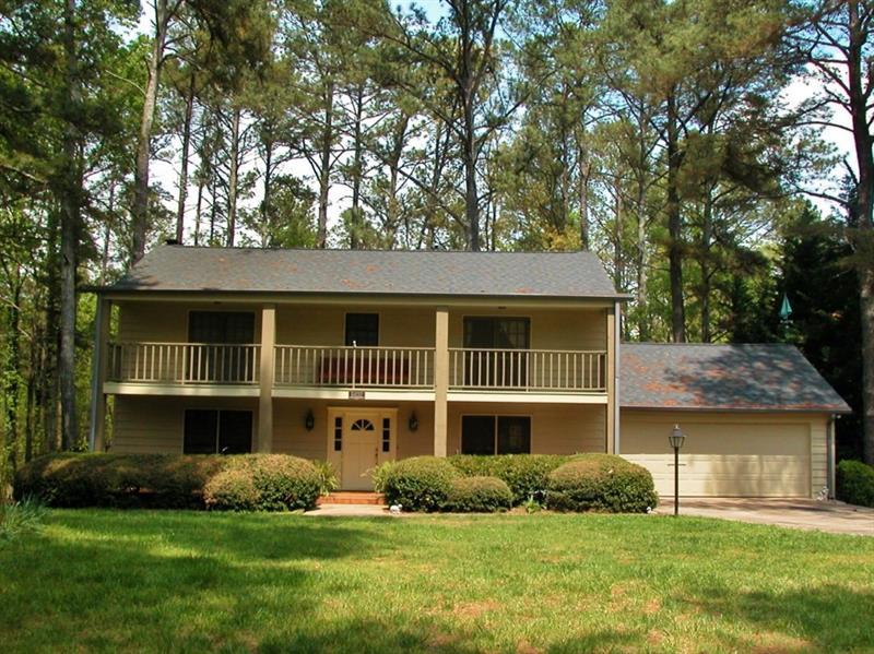 5432 Hidden Harbor Landing, Gainesville, GA 30504