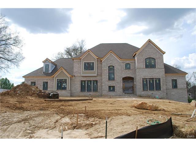 355 Windsor Oaks Drive, Creve Coeur, MO 63141