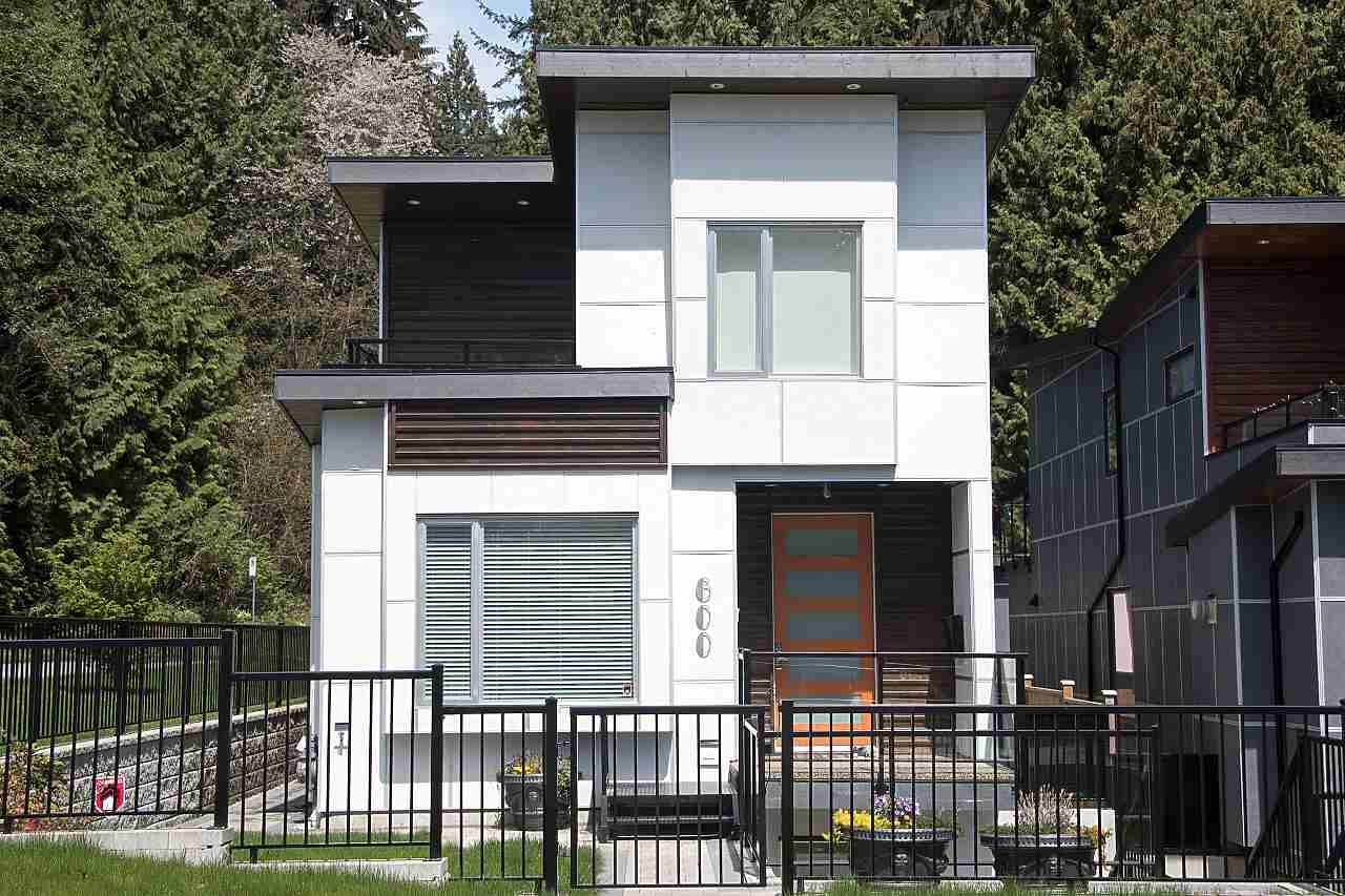 600 E 22ND STREET, North Vancouver, BC V7L 3C9