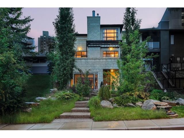 3524 8 Avenue NW, Calgary, AB T2N 1C9