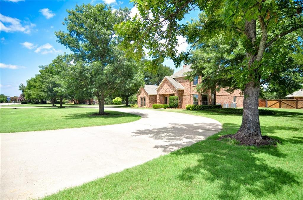 2 GLENBROOK Circle, Lucas, TX 75002